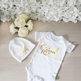 Kit cadeau naissance body bonnet personnalisé